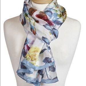 Designer's Guild NWOT Floral Roses Silk Scarf